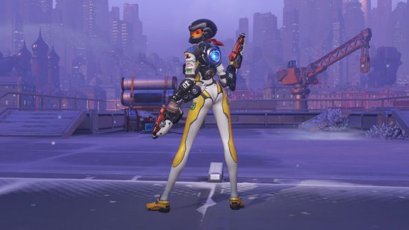 Tracer in a pose