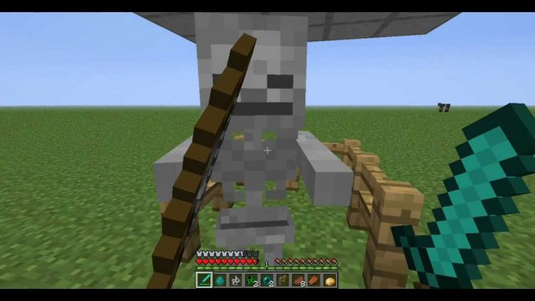 Fighting a skeleton in Minecraft