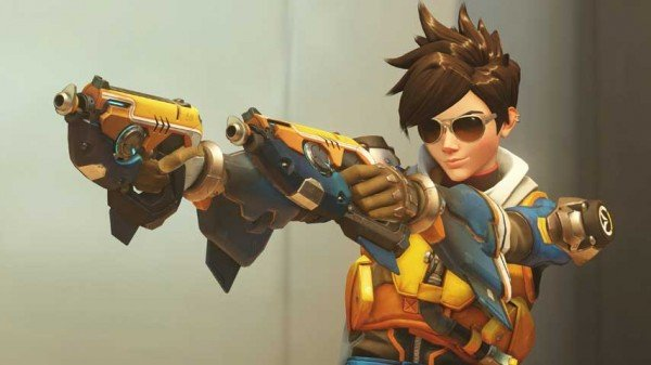Tracer wearing sunglasses