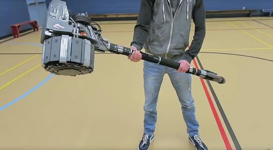Reinhardt's hammer in real life!