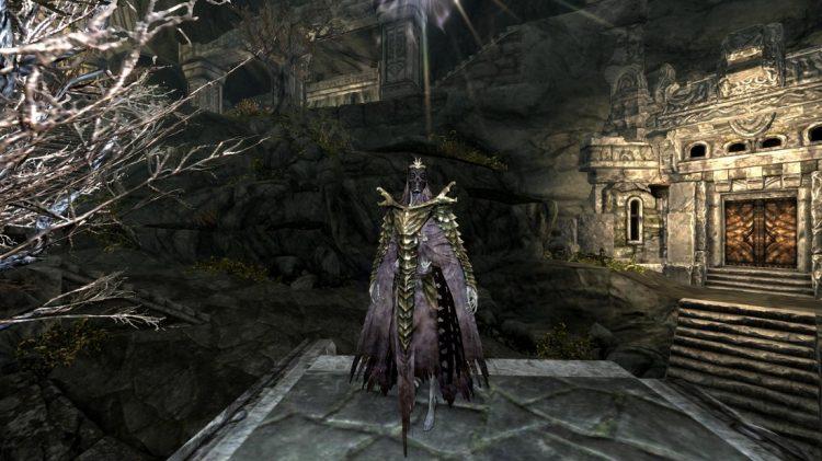 Hevnoraak, the 4th best heavy armor helmet in Skyrim